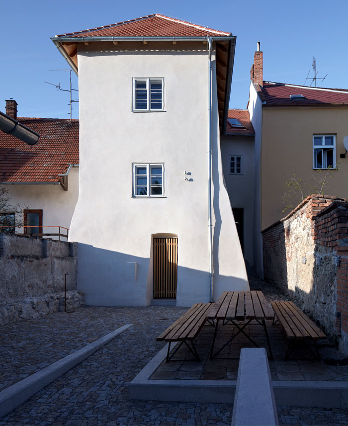 ora architects stajnhause guesthouse 39