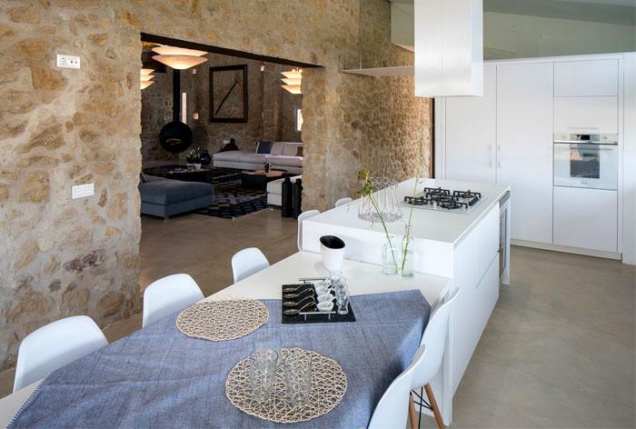 villa restored gloria duran 22