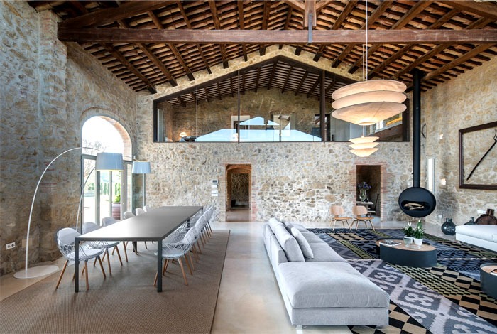 villa restored gloria duran 5