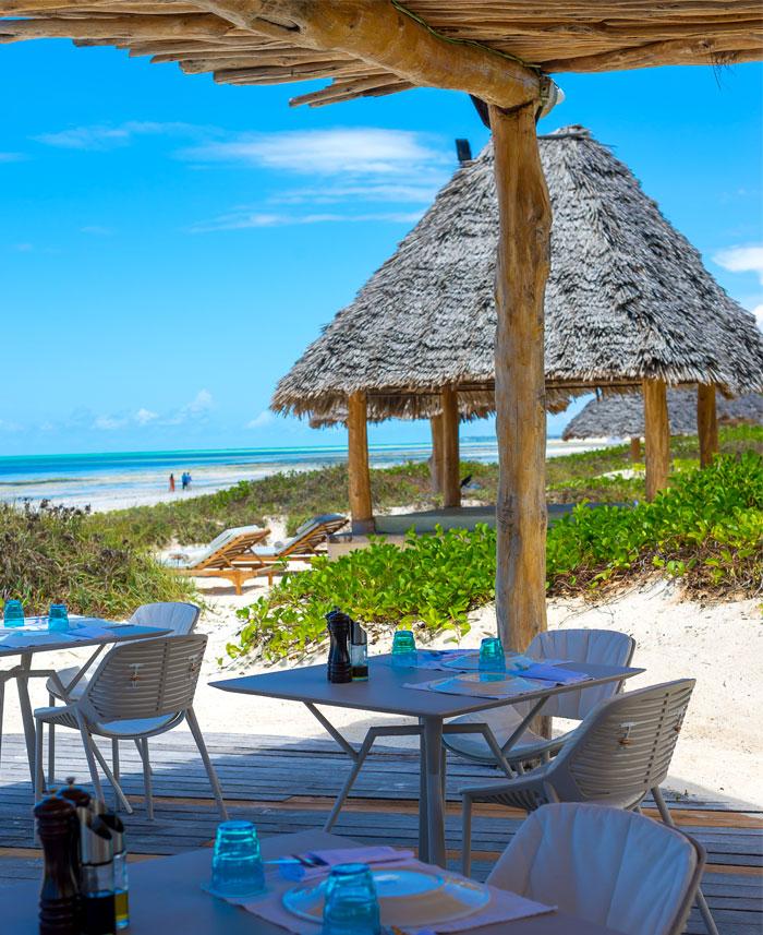 fast white sand luxury villas 1