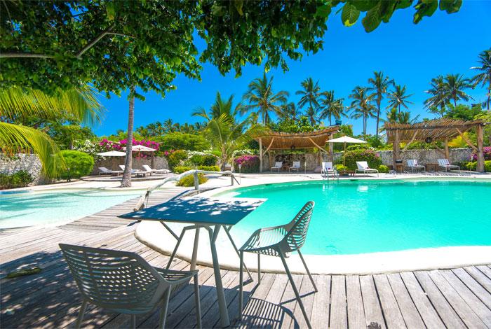 fast white sand luxury villas 11