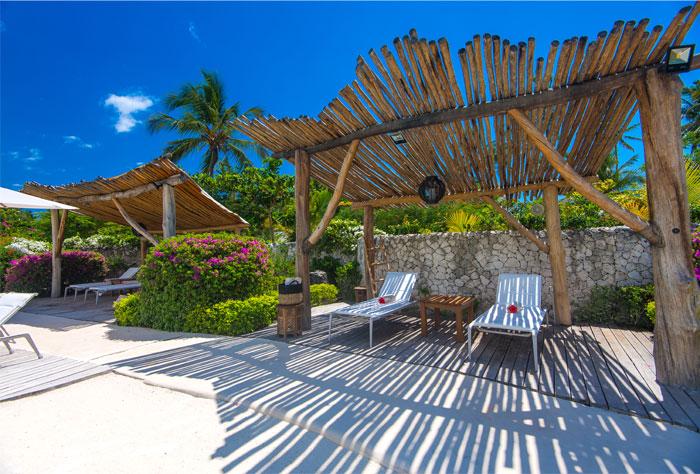 fast white sand luxury villas 13