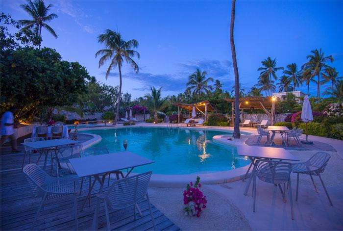 fast white sand luxury villas 18