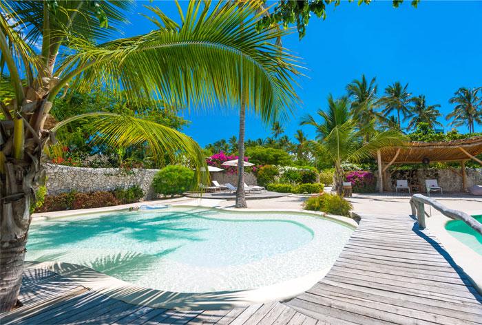 fast white sand luxury villas 2