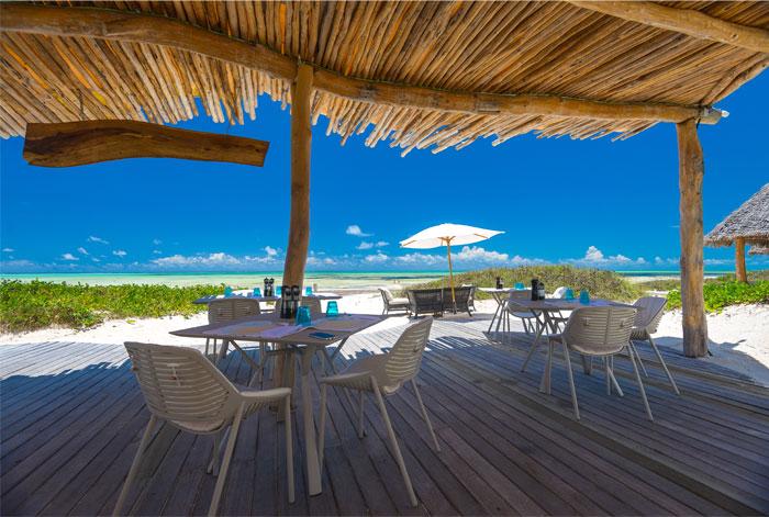fast white sand luxury villas 21