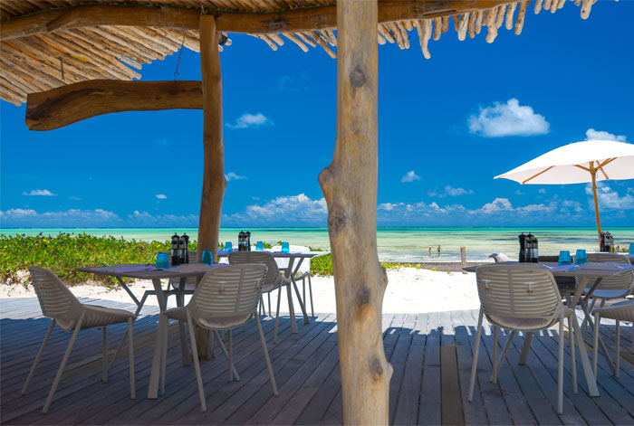 fast white sand luxury villas 26