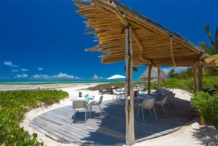 fast white sand luxury villas 4