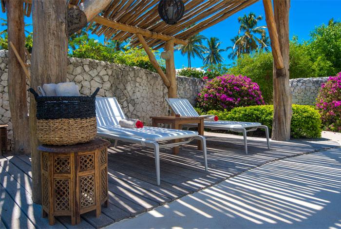 fast white sand luxury villas 6