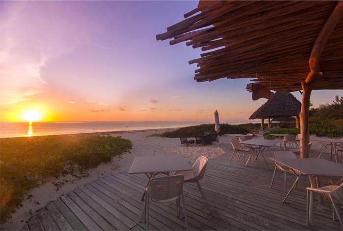 fast white sand luxury villas 7