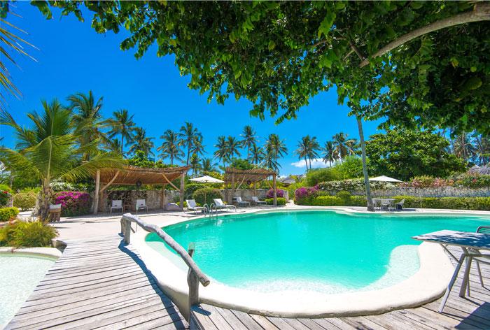 fast white sand luxury villas 8