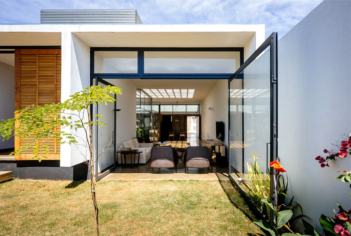 contemporary brazilian home vao architects 11