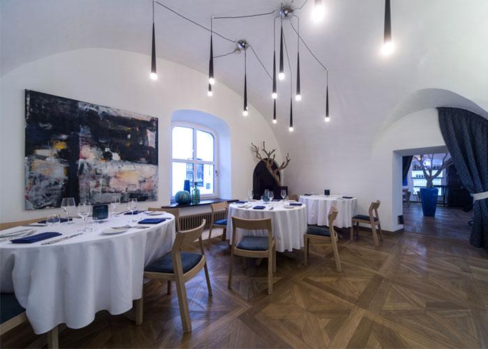 mediterranean restaurant old town vilnius 8