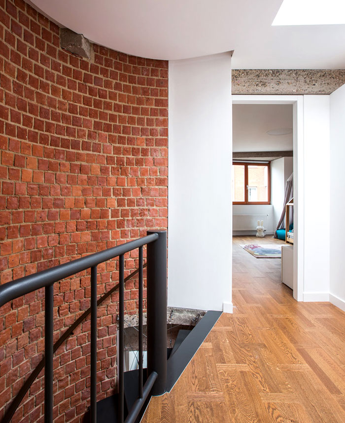 brickwall ycl studio 20