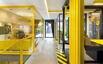 black yellow office 338x212