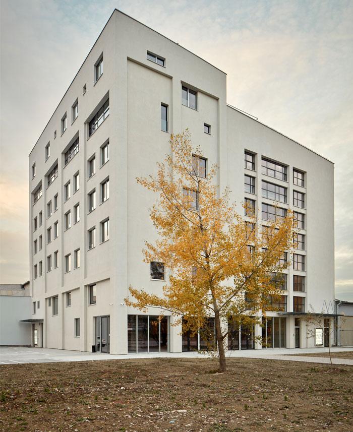 reconstructed industrial building mlynica studio gutgut 24