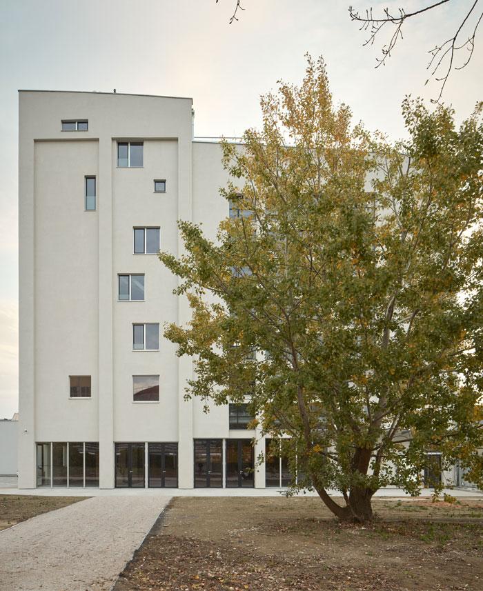 reconstructed industrial building mlynica studio gutgut 25