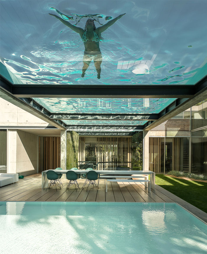 Rooftop Swimming Pool Experience In A Luxurious Modern House