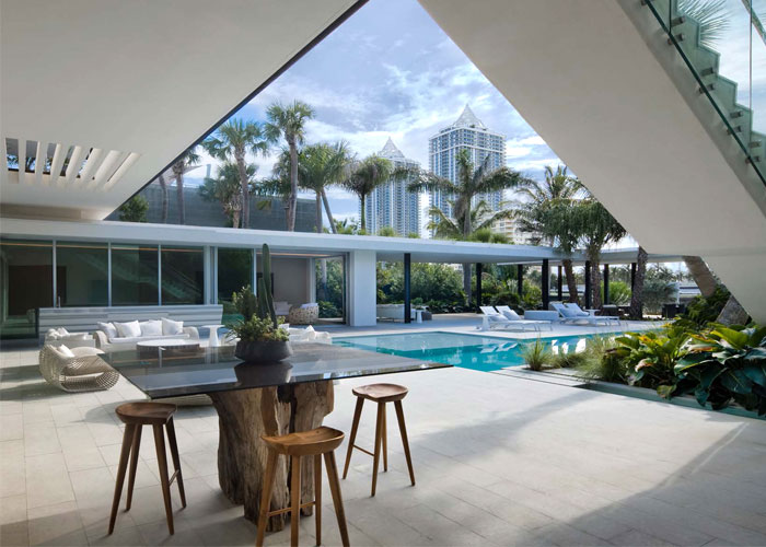 easy living family home miami 7