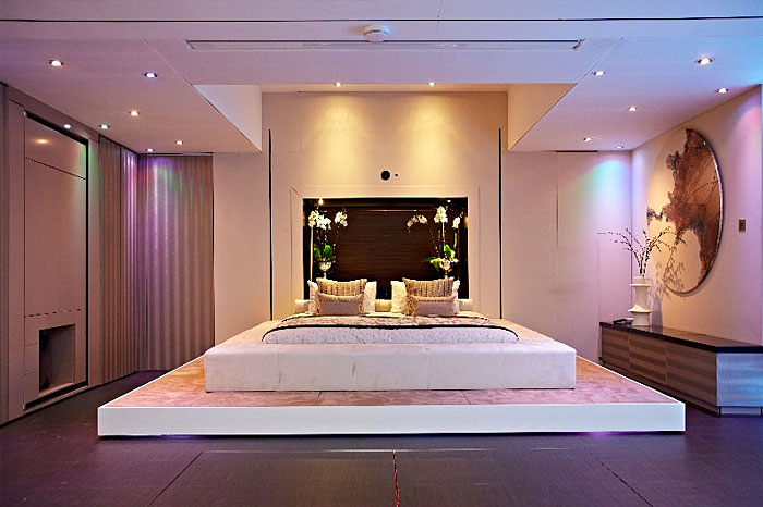 wall mechanism that elevates the bed platform