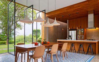 open concept kitchen interiorzine 338x212