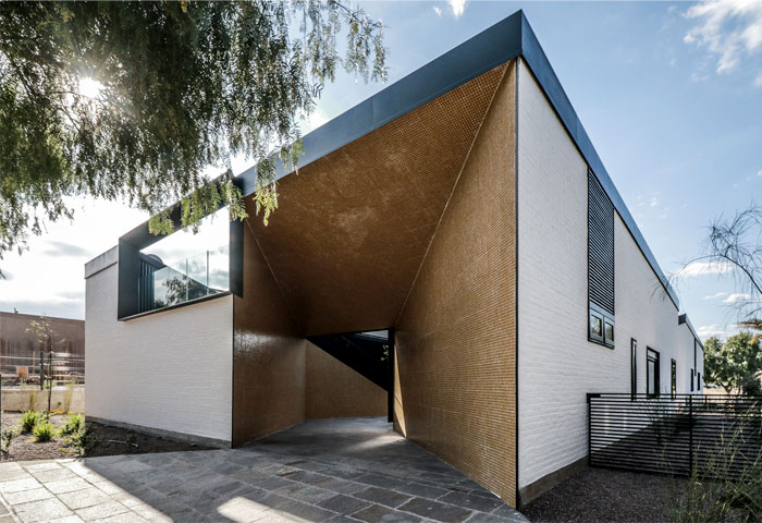 cube shaped house a4estudio 8