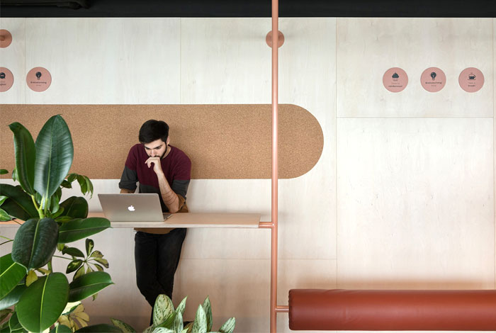 creative office arrangement encourages physical activities 1