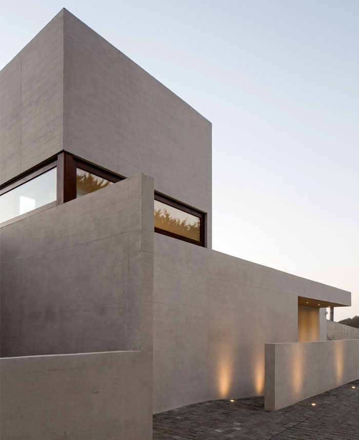 exposed concrete house chile 13