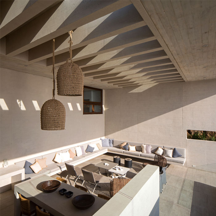 exposed concrete house chile 2
