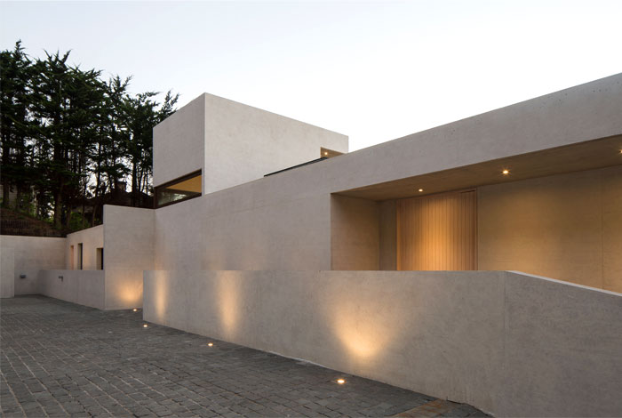 exposed concrete house chile 8