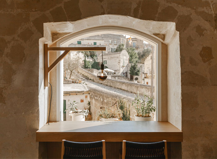 ai maestri rooms cafe matera 6