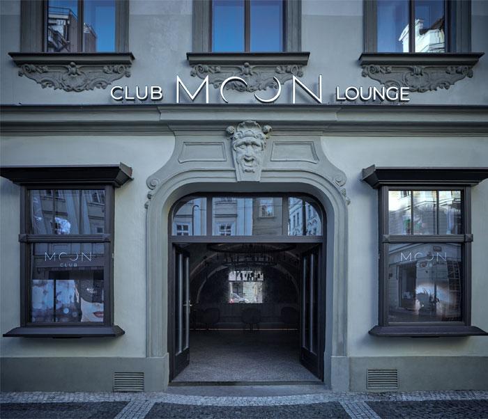 moon club lounge prague 22
