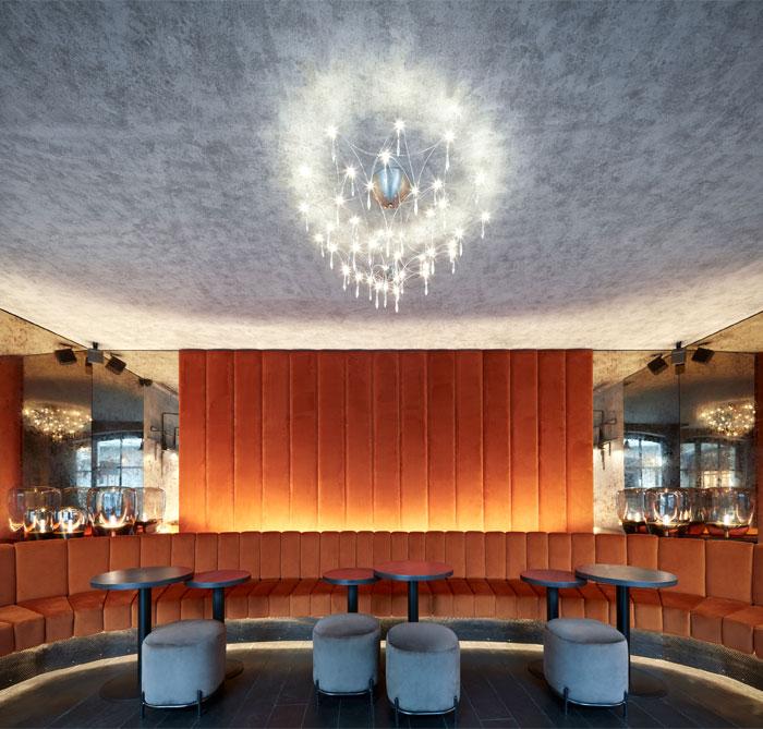 moon club lounge prague 4