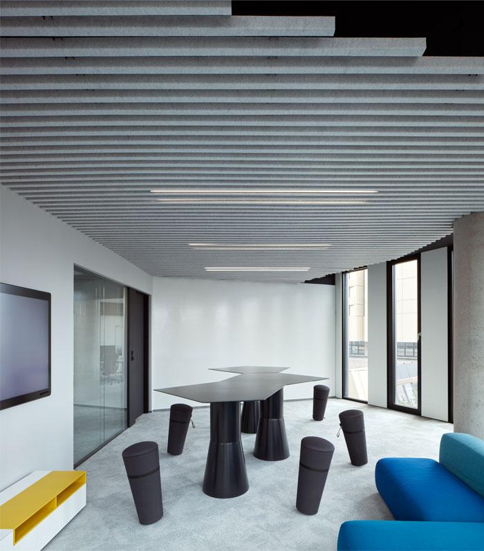 studio perspektiv office interior prague 23