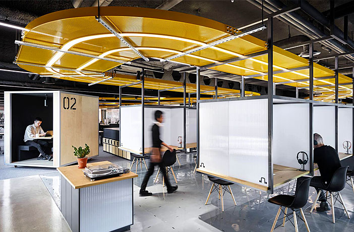 74 Office Decor Ideas Make Your Workplace Fun Productive Creative Interiorzine