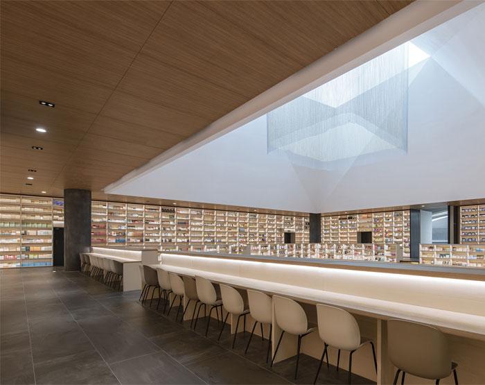 e pang bookstore gonverge interior design 7