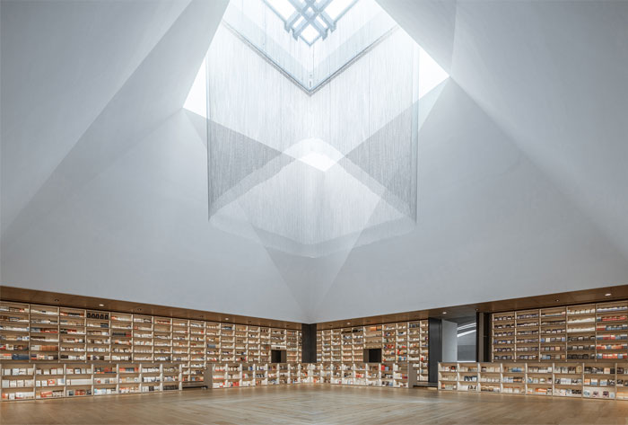 e pang bookstore gonverge interior design 9