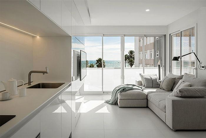 susanna cots apartment beside sea 2
