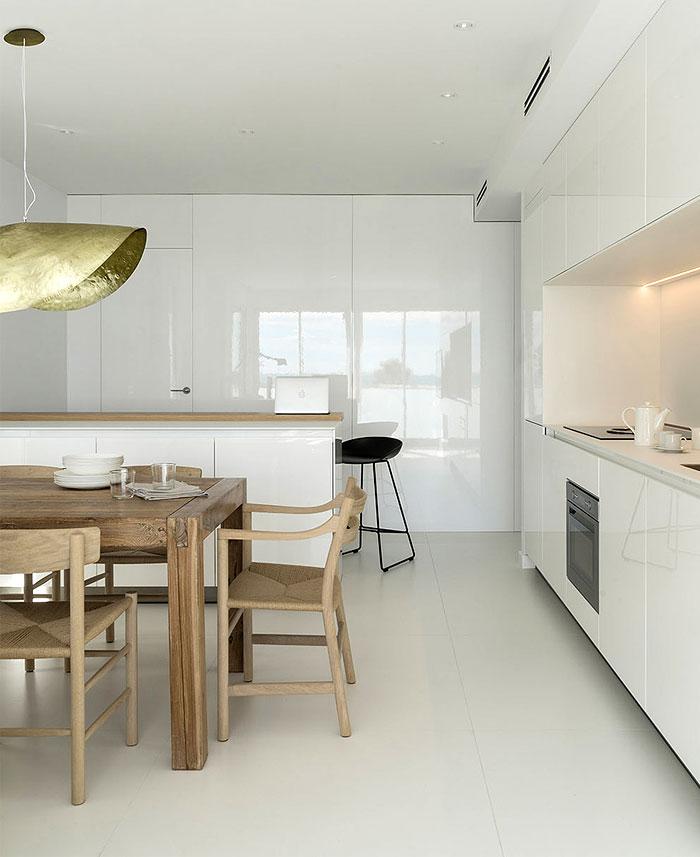 susanna cots apartment beside sea 5