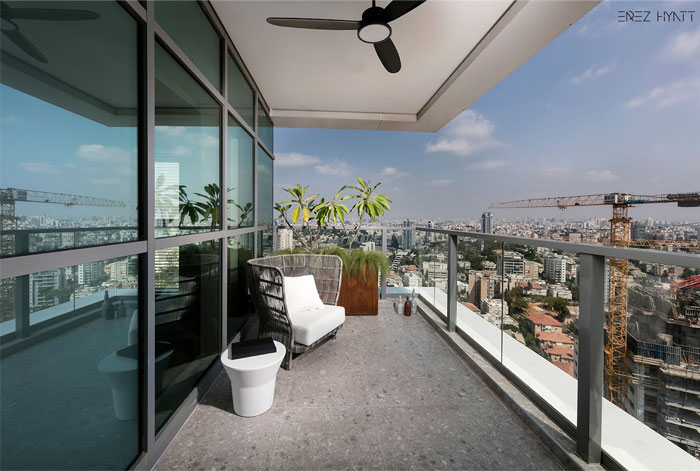 capsule apartment in ramat gan 12