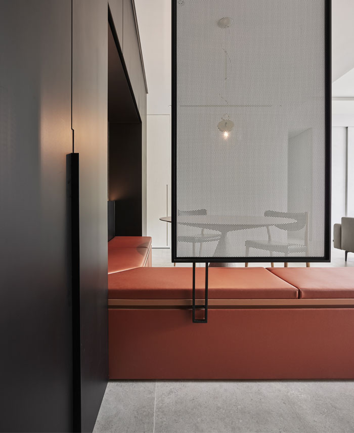 small scale apartment Waterfrom Design 3