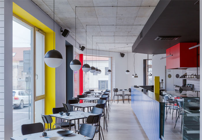 aiai architects interior lola cafe vilnius 5