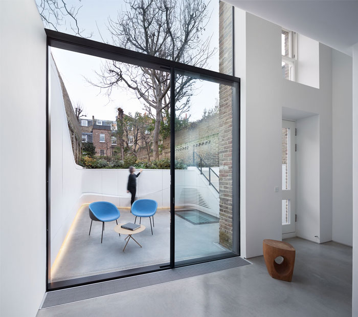 sculptural renovation victorian terraced house london 14