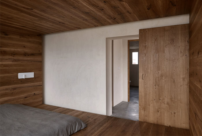 woodwork enthusiasts home 11