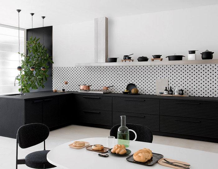 images of black kitchen cabinets