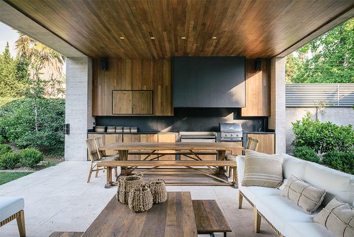 built in outdoor kitchen 4