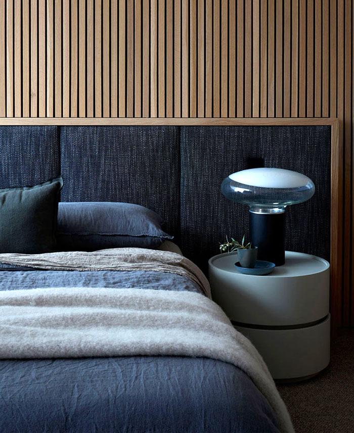 minimalist bedroom wooden panels 8