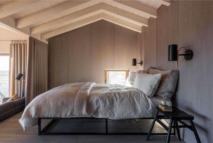 wood panel bedroom ceiling 1