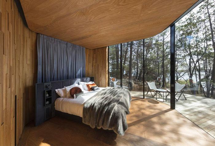 wood panels cozy minimalist bedroom 1