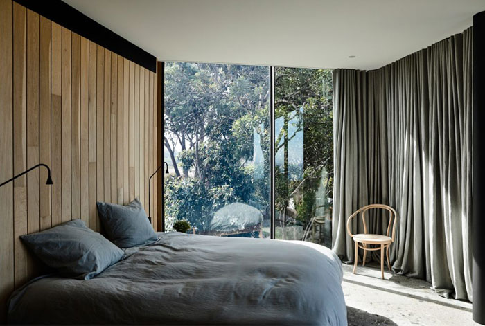 wood panels cozy minimalist bedroom 2
