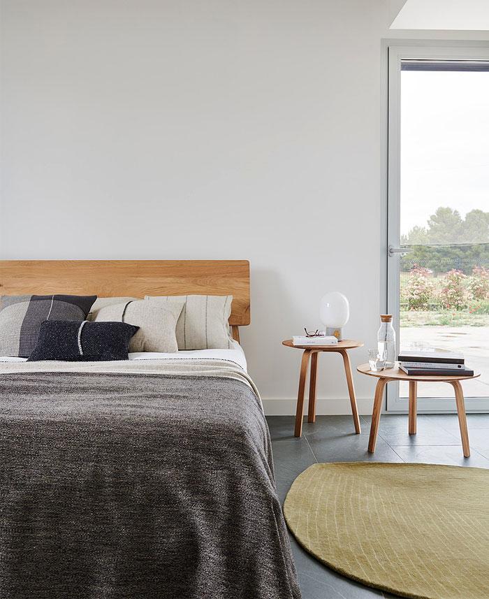 boho organic materials minimalist bedroom 1